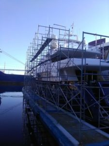 Boat Scaffolds on Floats by USA Shrinkwrap